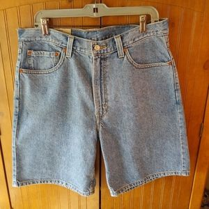 NWT Levi's Relaxed Fit 550 Shorts